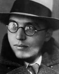 Kurt Weill photographed by Lotte Jacobi